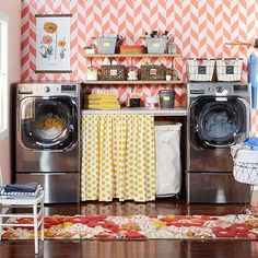 cute laundry room- I could do lots of laundry in here!