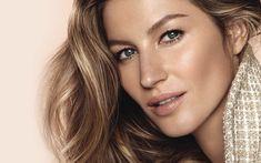 Abdecken, Augenringe kaschieren, einen perfekten Teint zaubern. Und dabei bitte so aussehen, als wäre man ungeschminkt! Eine gute Foundation kann das schaffen – wenn man sie richtig aufträgt. Zoe Taylor, Make-up-Artistin für Chanel UK, hat uns Tipps gegeben.