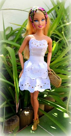 Diy how to make doll joggers handmade clothes craft – Artofit Sewing Barbie Clothes, Barbie Sewing Patterns, Sewing Dolls, Doll Clothes Patterns, Clothing Patterns, Vetements Shoes, Accessoires Barbie, Barbie Dress, Barbie Doll