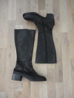Botas de cuero negras tipo de montar #ComoNuevas #ModaSustentable. Compra esta prenda en www.saveweb.com.ar!