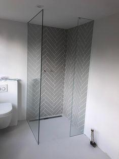 Bad Inspiration, Bathroom Inspiration, Family Bathroom, Small Bathroom, Upstairs Bathrooms, Bathroom Design Luxury, Glass Shower Doors, Shower Remodel, Bathroom Renovations