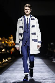 Dior Homme Menswear Fall Winter 2015 Paris trends : dufflecoat with graphic set trimmings and arm blendings, jeans suit