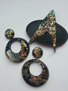 Choose your finish : clip ons or post earrings - by desperatebeatnik - Star Trek Brooch and earring set