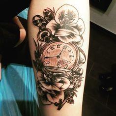 #oldschooltattoo von Günni  #Tattoo #Tattoowerkstatt #uhrtattoo #clocktattoo