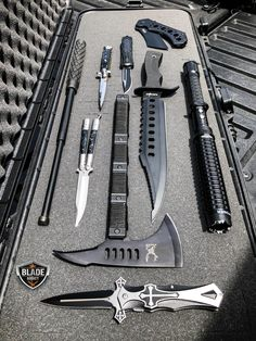 Shop www.megaknife.com Zombie Weapons, Ninja Weapons, Weapons Guns, Guns And Ammo, Tactical Knives, Tactical Swords, Tactical Gear, Pretty Knives, Cool Knives