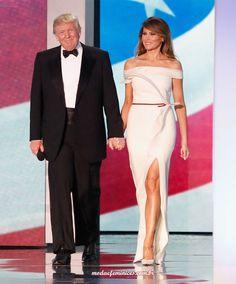 Melania Trump de estilo clássico e conservador na posse do presidente Trump |in Hervé Pierre para o Inaugural Ball http://modaefeminices.com.br/2017/01/22/melania-trump-de-estilo-classico-e-conservador-na-posse-do-presidente-trump/
