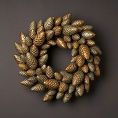 Put Together Pine Cone Wreath | Silver Pinecone Wreath | SneakyThoughts