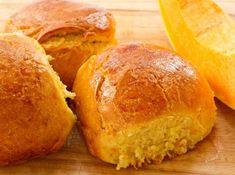 Ce pain parfumé à la citrouille s'accommode très bien avec une soupe!