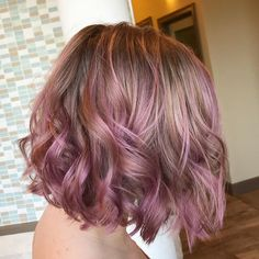 Pink mauve balayage Cabelo Rose Gold, Rose Gold Hair, Pink Hair, Balayage Hair, Ombre Hair, Blonde Layered Hair, Dark Brunette Hair, Hair Color And Cut, Coloured Hair