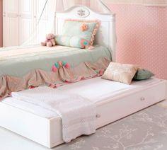 Romantic Ifjúsági Pótágy #gyerekbútor #bútor #desing #ifjúságibútor #cilekmagyarország #dekoráció #lakberendezés #termék #ágy #gyerekágy #romantic #lány #hercegnő #pótágy Toddler Bed, Romantic, Children, Authentique, Design, Furniture, Kids Rooms, Princesses, Home Decor