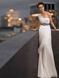 Vera Wang Vera Wang One Shoulder Wedding Gown