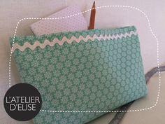 Pochette coton pour Ana. Fresh thinking time ! Diaper Bag, Fresh, Bags, Couture Sac, Pouch Bag, Atelier, Handbags, Diaper Bags, Mothers Bag