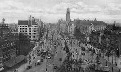 Rotterdam - Coolsingel, met rechts de Passage en ervoor het Calandmonument. 1935.
