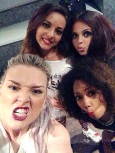 I like how Jade is always the one making the funny faces but in this picture she's the only one NOT making a funny face. Haha x)