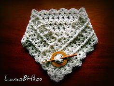 Urban shells crochet cowl free pattern (scroll 1/2 way down) Crochet Lacy Scarf, Crochet Winter, Love Crochet, Crochet Cowl Free Pattern, Crochet Buttons, Crochet Shorts, Crochet Scarves, Crochet Clothes, Crochet Ideas
