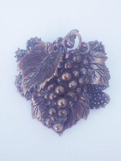 Vintage 1940s Brooch Grape/Brass/Estate Jewelry/Unsigned