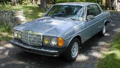 Mercedes Benz W123 280 CE 1981. I had a 1980 300D. Great car. I had this car in champagne gold.