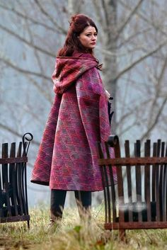 Emilie de Ravin on the set of OUAT (November 26, 2013) - Looks like Belle's red cloak from the Disney Movie.