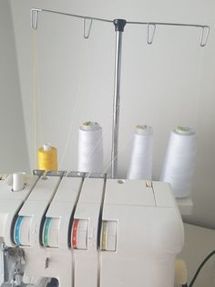 Vinkki saumurin langoitukseen - Kaavatar Toothbrush Holder, Sewing, Dressmaking, Couture, Stitching, Sew, Costura, Needlework