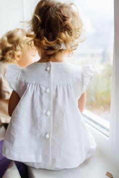 Handmade Linen Flutter Sleeve Blouse | Vorgona on Etsy #babyblouse