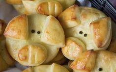 Cibo: La #video #ricetta dei panini golosi a forma di maialini farciti con carote e pisellini (link: http://ift.tt/2lX34jV )