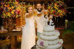 ♥♥♥  Casamento real da Carolina e do Preto Uma história inusitada de duas pessoas que nunca se imaginaram juntos, mas que depois de se encontrarem, fizeram um lindo casamento real! http://www.casareumbarato.com.br/casamento-real-da-carolina-e-do-preto/