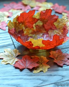 A different tutorial for a faux Fall Leaf Bowl using leaves, mod podge and a balloon. Hardest part is the gluing.