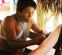 Embera tatooist