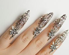 Fairy nail claw rings - set of 5 <br> This includes a set of 5 fairy nail claws that slip on. They are antique silver with small fairy charms and small clear crystal accents. Shipped via USPS first class mail. Claw Nails, Nail Accessories, Fantasy Jewelry, Metal Jewelry, Nail Jewelry, Swagg, Claws, Antique Silver, Jewelery