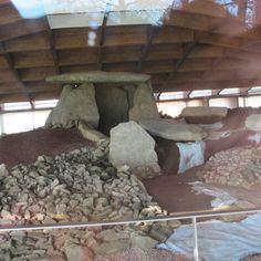 Dolmen de Dombate,Cabana de Bergantiños,A #CostadaMorte ten unha gran riqueza en monumentos megalíticos sendo o Dolmen de Dombate o máis importante