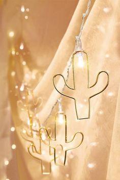 Metallic Luxe Cactus Light Strand #cactus #succulents