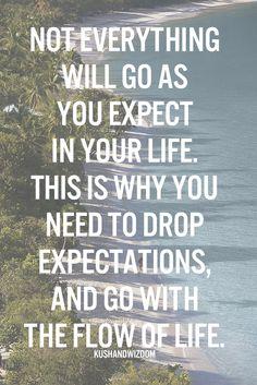 """La decepción, se da x tener determinadas expectativas. Si no esperas que las cosas o las personas sean de determinada manera o actuen de determinada forma, no se llega a la decepción, que en definitiva es una ilusión de lo q """"queríamos"""" que fuera. xro la realidad no son nuestras ilusiones. Si te deshaces de la ilusión, te deshaces de la frustración."""