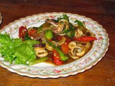 Cara membuat Salad Cumi Siam, untuk lihat resep dan cara mudah nya silahkan klik, kuliner-ilmci.com