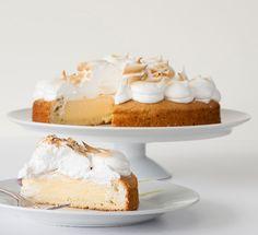 Κέικ γεμιστό με λεμόνι και μαρέγκα - Newpost.gr