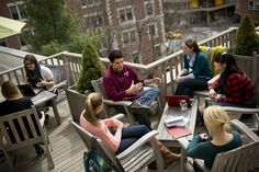 HGSE Students Gather on the Gutman Patio