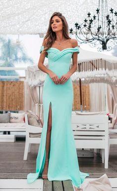 Vestido longo verde: 70 modelos longos para madrinhas de casamento e convidadas #vestidolongo #verdetiffany #casamento #madrinhadecasamento #convidada