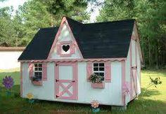 beautiful play house!