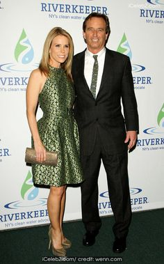 Cheryl Hines Riverkeeper Fisherman's Ball Red Carpet at Chelsea Piers http://www.icelebz.com/events/riverkeeper_fisherman_s_ball_red_carpet_at_chelsea_piers/photo3.html