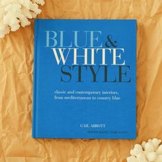 Hamptons House, The Hamptons, Blue And White Style, Country Interior, Country Blue, Contemporary Interior, Classic Style, Home Furniture, Home Goods Furniture