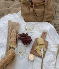 Cream Aesthetic, Aesthetic Food, Key To My Heart, Summer Picnic, Wine Drinks, Food Design, Cravings, Sweet Tooth, Good Food
