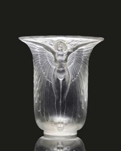 1922 Rene Lalique vase sets auction record at $451,000 in UK
