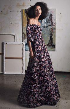 Zac Posen Fall 2017 Ready-to-Wear Collection Photos - Vogue Party Fashion, Fashion Week, Fashion 2017, Couture Fashion, Runway Fashion, Fashion Show, Zac Posen, Vogue Paris, Concert Dresses