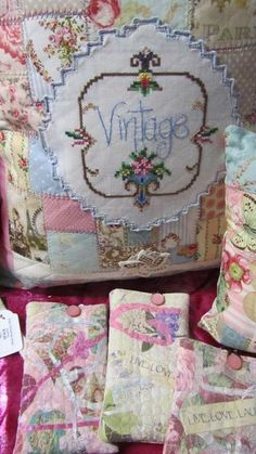 """Vintage Embroidery Patterns Embroidered pillow """"vintage"""" - The creative and domestic adventures of Linda Lilly Cottage Embroidery Designs, Embroidery Transfers, Vintage Embroidery, Embroidery Scissors, Embroidery Stitches, Embroidery Sampler, Pillow Embroidery, Hand Embroidery, Vintage Crafts"""