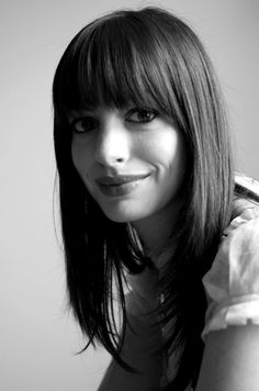 Anne Hathaway - love these bangs.