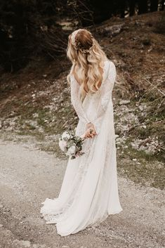 Bridal Bouquet #boho #vintage Lace Wedding, Wedding Dresses, Bridal Bouquets, Portrait, Boho, Photography, Vintage, Fashion, Wedding Dress Lace