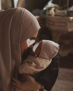 Cute Muslim Couples, Muslim Girls, Muslim Women, Cute Couples, Baby Hijab, Girl Hijab, Quran Quotes Love, Islamic Love Quotes, Le Couple Parfait