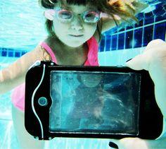 driSuit: capa para iPhone 100% à prova d'água que possui um visor de gel transparente para que todos os comandos da tela possam ser normalmente acessados.