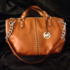 Michael Kors Astor Luggage Large Chain Satchel New condition. Genuine leather. Authentic. Price firm. Yes ♏️ercari  BUNDLE PRICE NOT AVAILABLE ON THIS BAG - DO NOT USE THE BUNDLE BUTTON, IF SO ORDER WILL BE CANCELLED. THANKS ❤️🌺 Michael Kors Bags Satchels