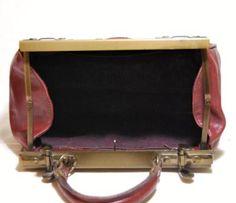 Vintage leather gladstone bag handbag