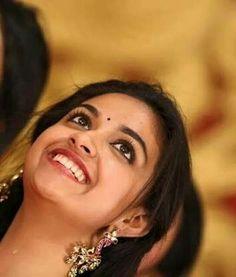 Sivakarthikeyan Wallpapers, Sai Pallavi Hd Images, Keerti Suresh, Blue Glass Vase, Most Beautiful Indian Actress, Tamil Movies, India Beauty, Angelina Jolie, Girl Face